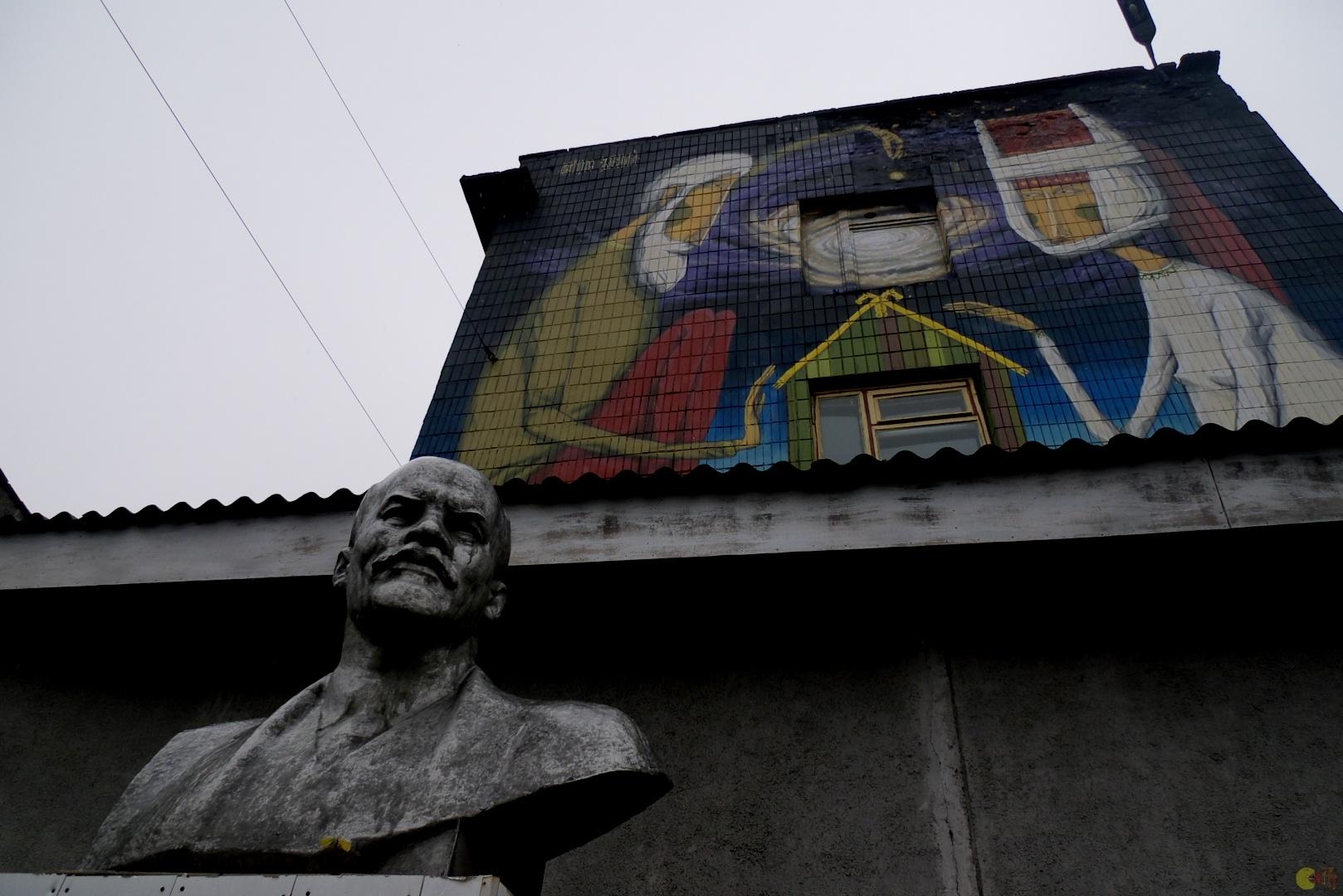 Lenin v říjnové ulici
