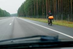 Cyklisté na dálnici
