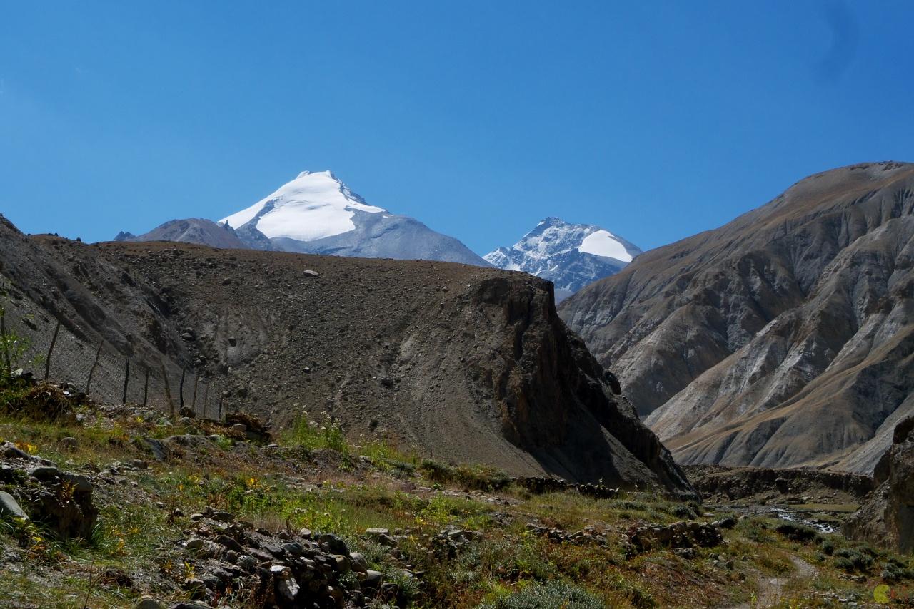 Tři vrcholy Kang Yatse