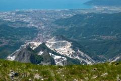 Další odtěžená hora a Karara